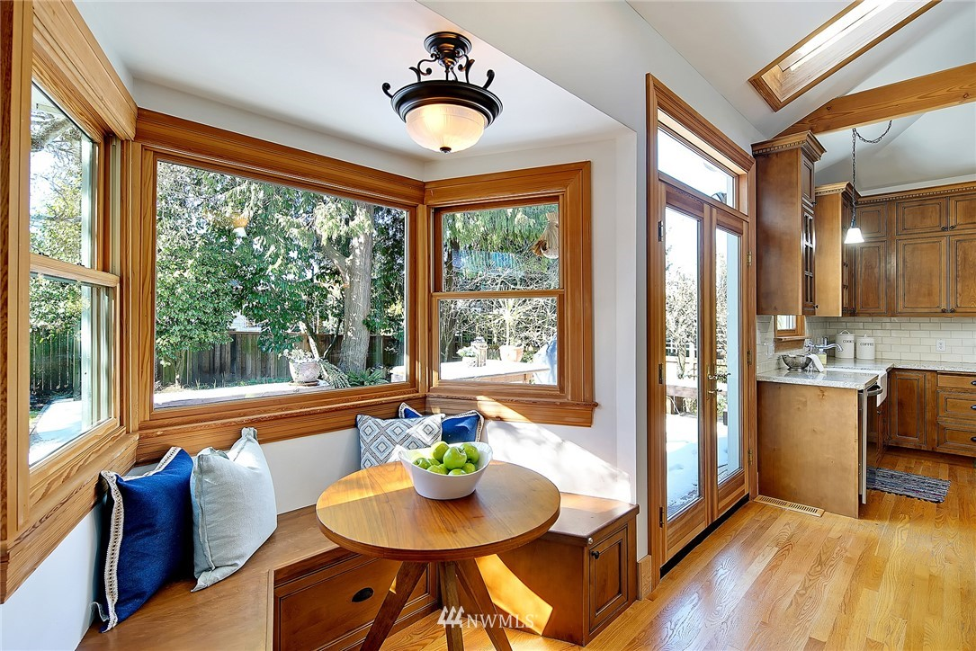 Sold Property   4515 31st Avenue W Seattle, WA 98199 10
