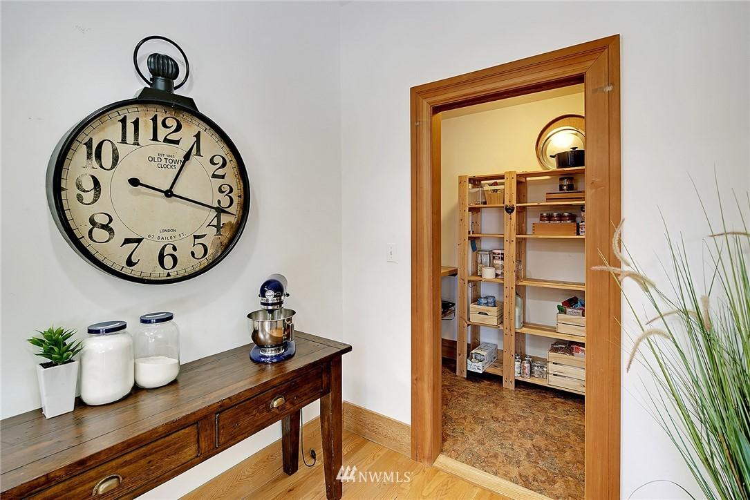 Sold Property   4515 31st Avenue W Seattle, WA 98199 11