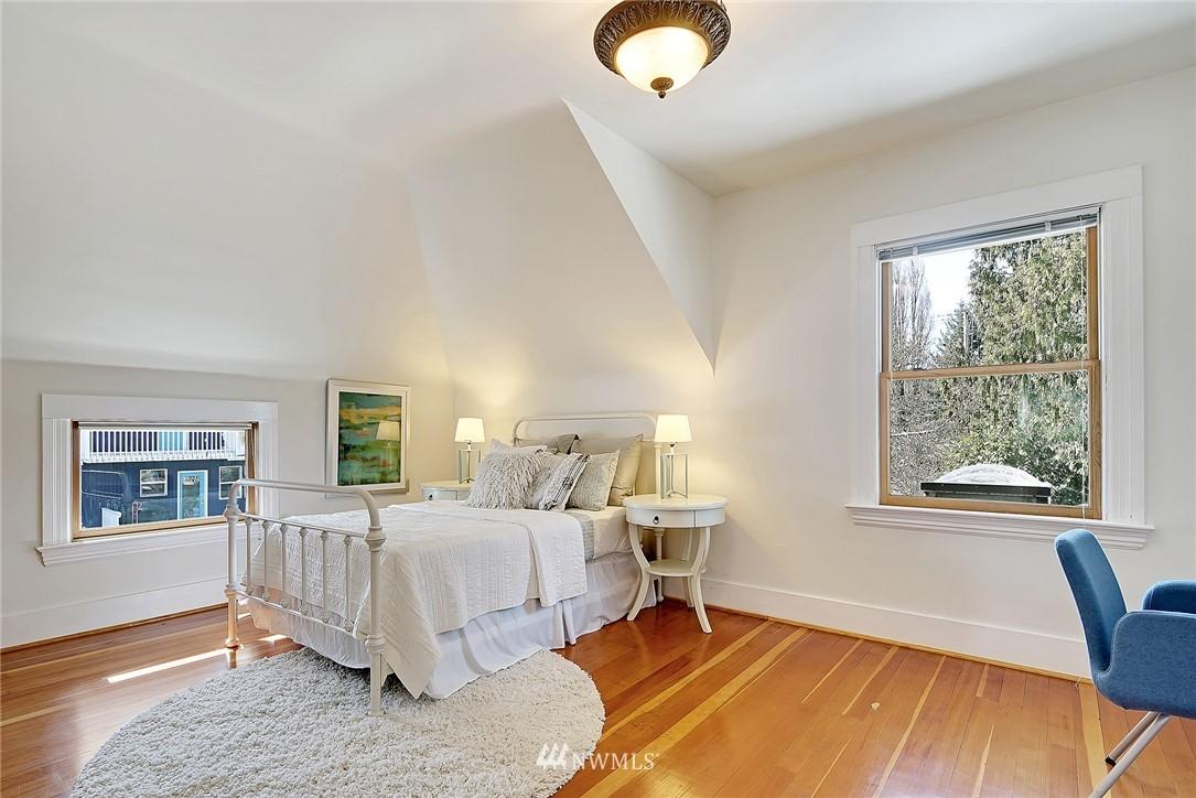 Sold Property   4515 31st Avenue W Seattle, WA 98199 12