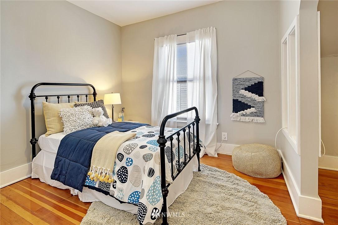 Sold Property   4515 31st Avenue W Seattle, WA 98199 14