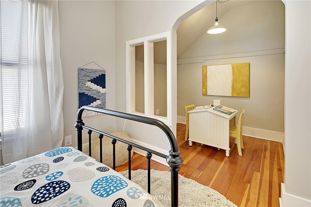 Sold Property   4515 31st Avenue W Seattle, WA 98199 15