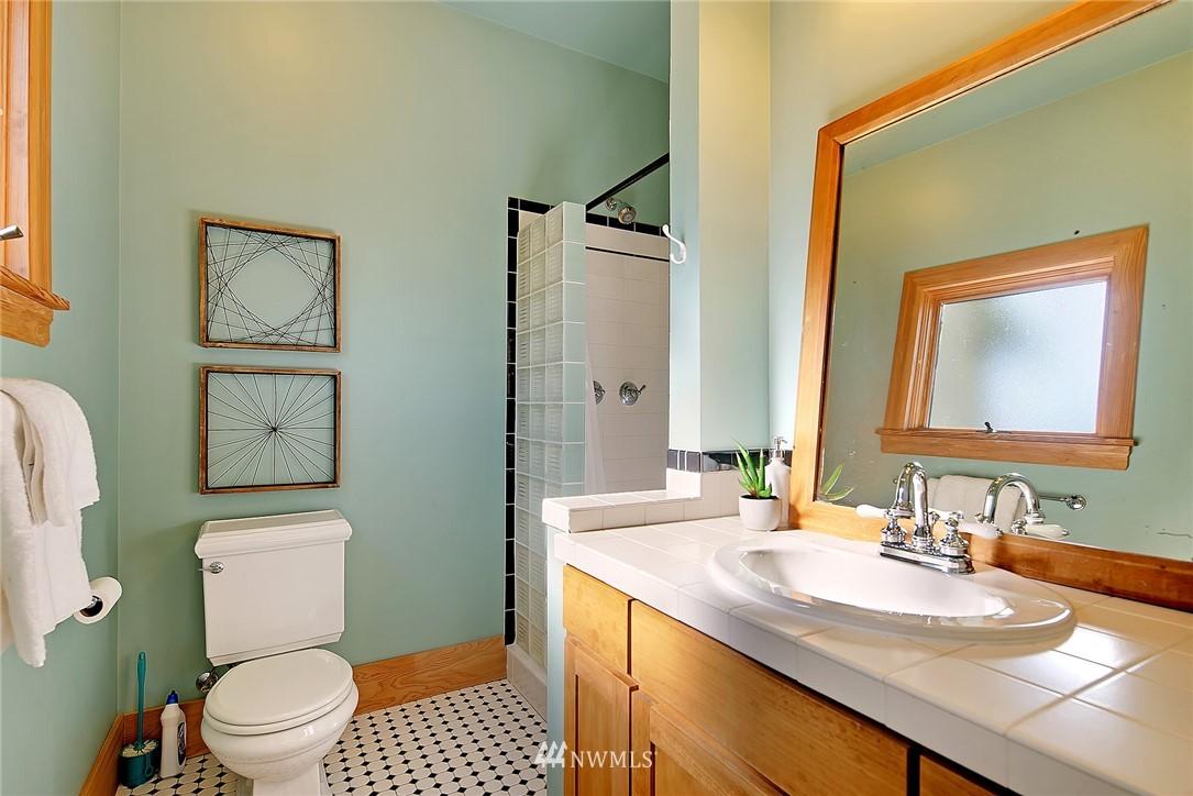 Sold Property   4515 31st Avenue W Seattle, WA 98199 18