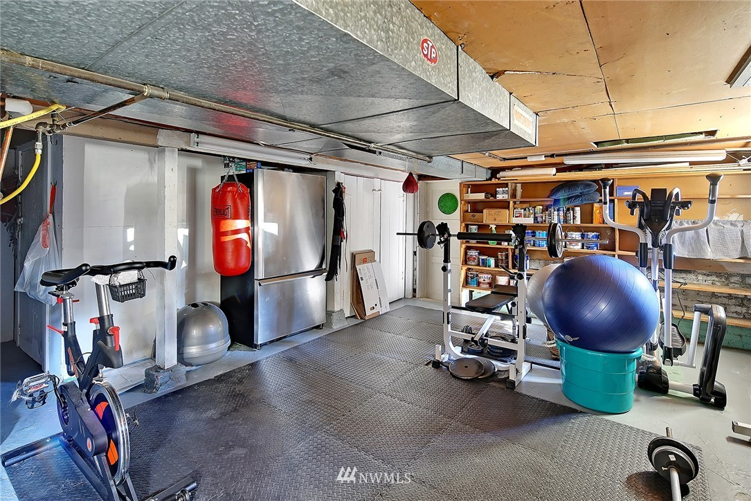 Sold Property   4515 31st Avenue W Seattle, WA 98199 20