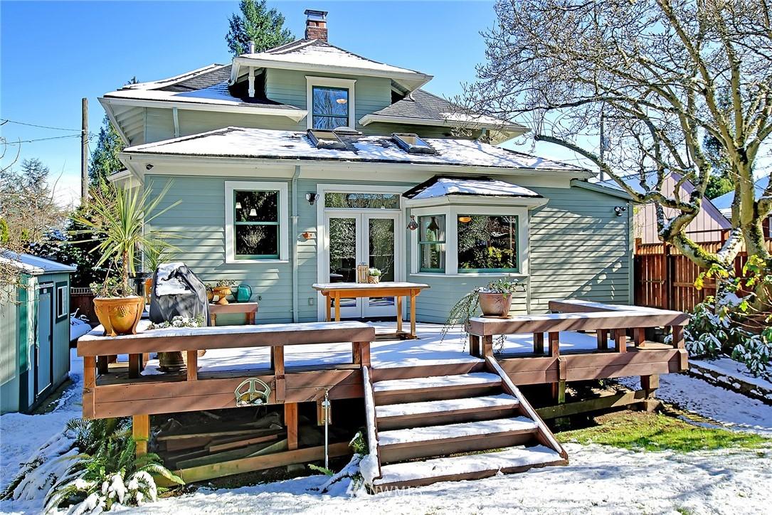 Sold Property   4515 31st Avenue W Seattle, WA 98199 21