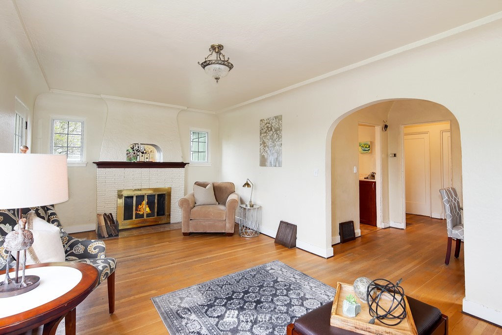 Sold Property | 835 NE 96th Street Seattle, WA 98115 2