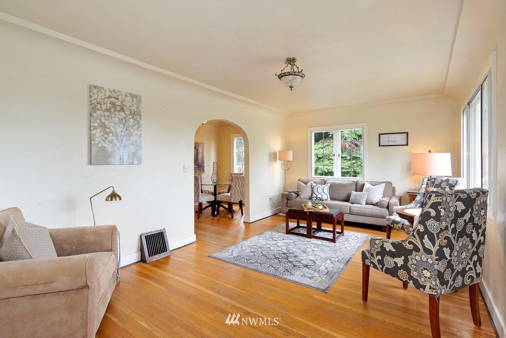 Sold Property | 835 NE 96th Street Seattle, WA 98115 3