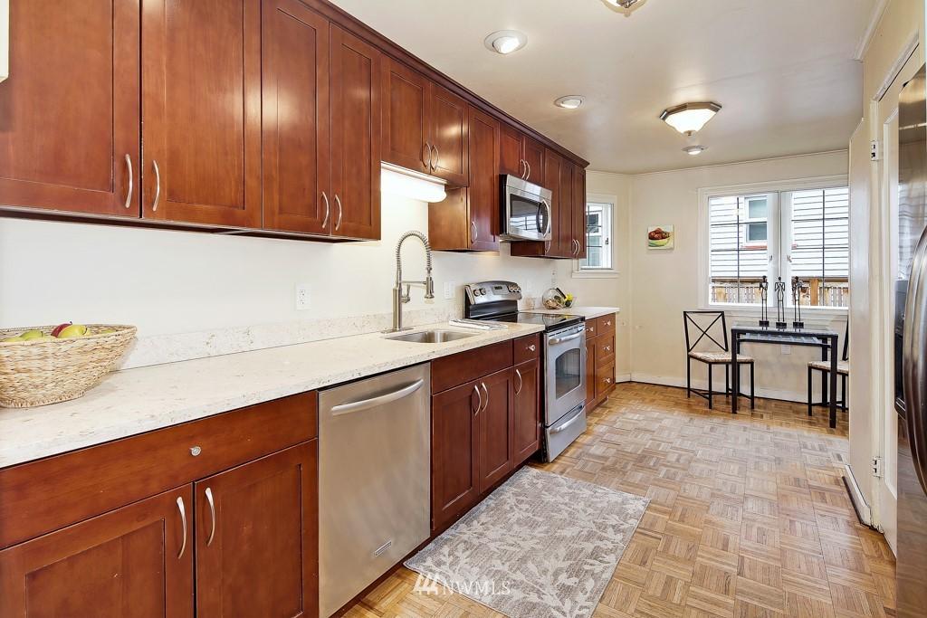 Sold Property | 835 NE 96th Street Seattle, WA 98115 5