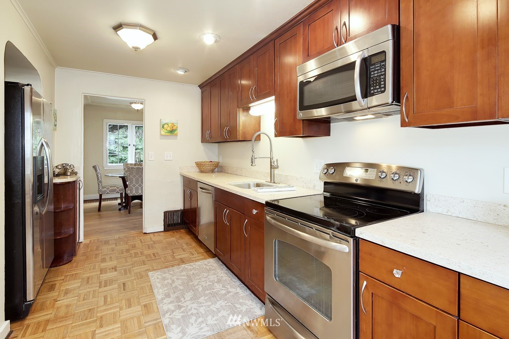 Sold Property | 835 NE 96th Street Seattle, WA 98115 7