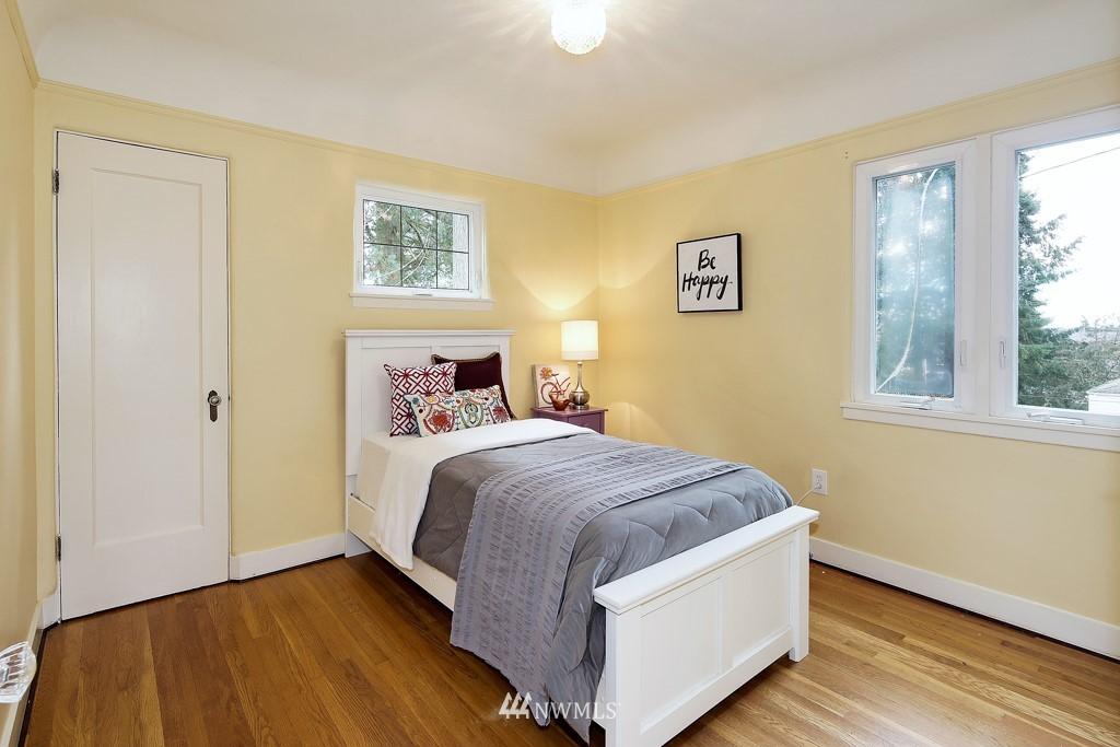 Sold Property | 835 NE 96th Street Seattle, WA 98115 8