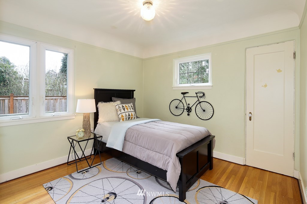 Sold Property | 835 NE 96th Street Seattle, WA 98115 9