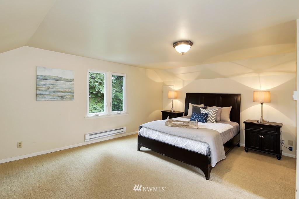 Sold Property | 835 NE 96th Street Seattle, WA 98115 11