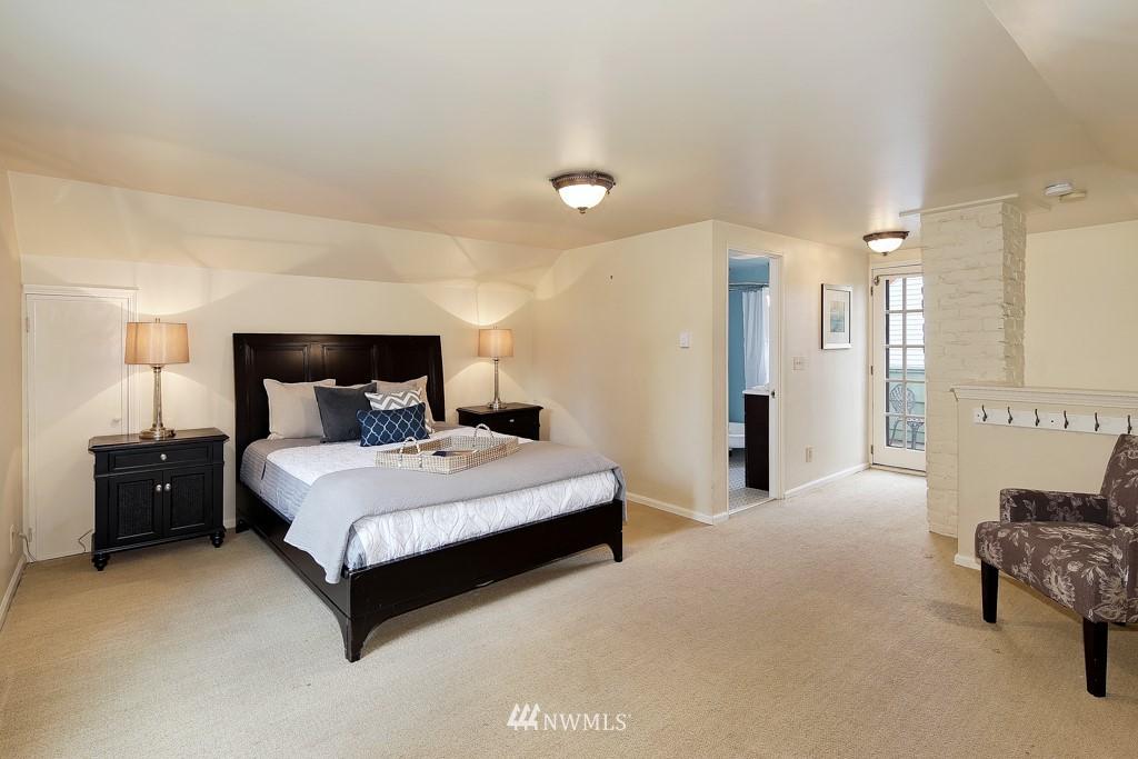 Sold Property | 835 NE 96th Street Seattle, WA 98115 12