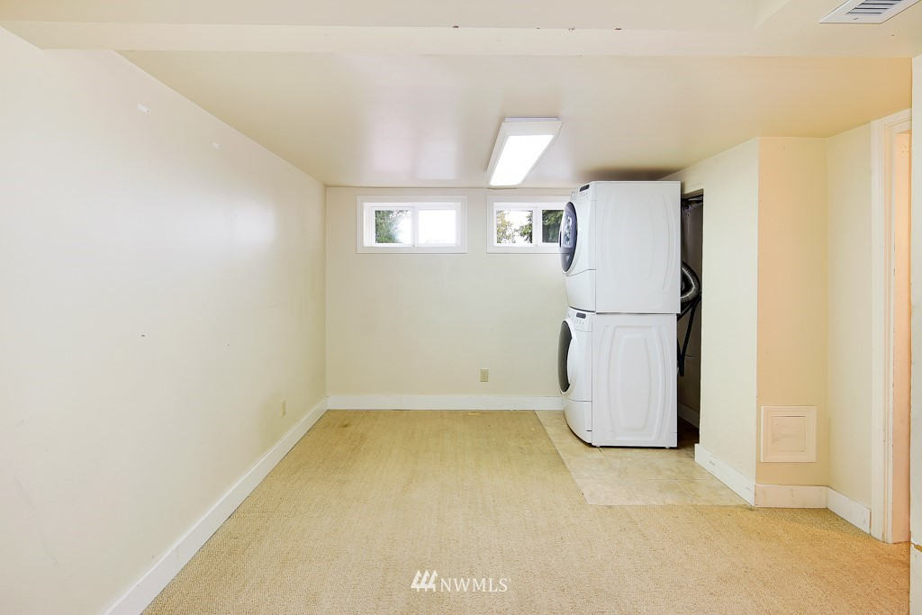 Sold Property | 835 NE 96th Street Seattle, WA 98115 17