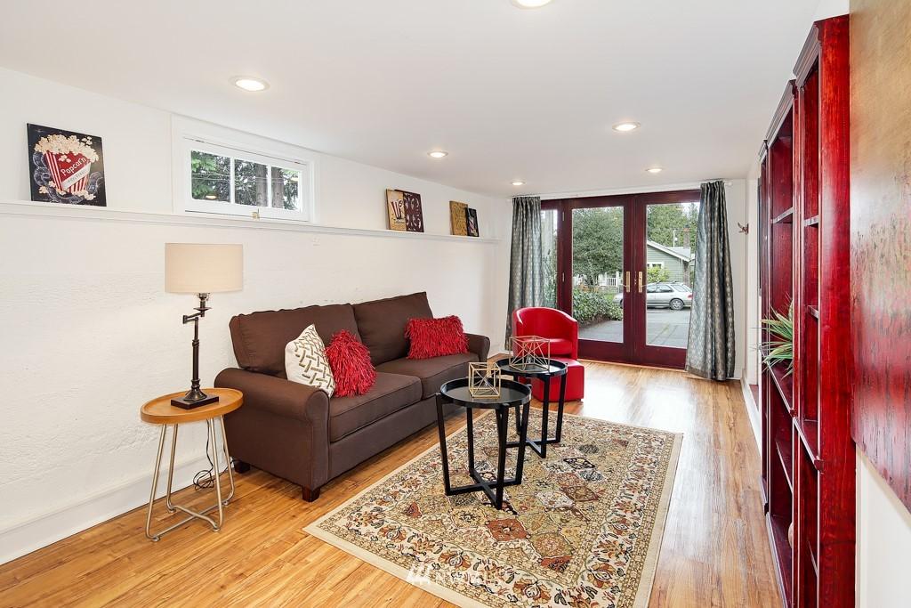Sold Property | 835 NE 96th Street Seattle, WA 98115 18