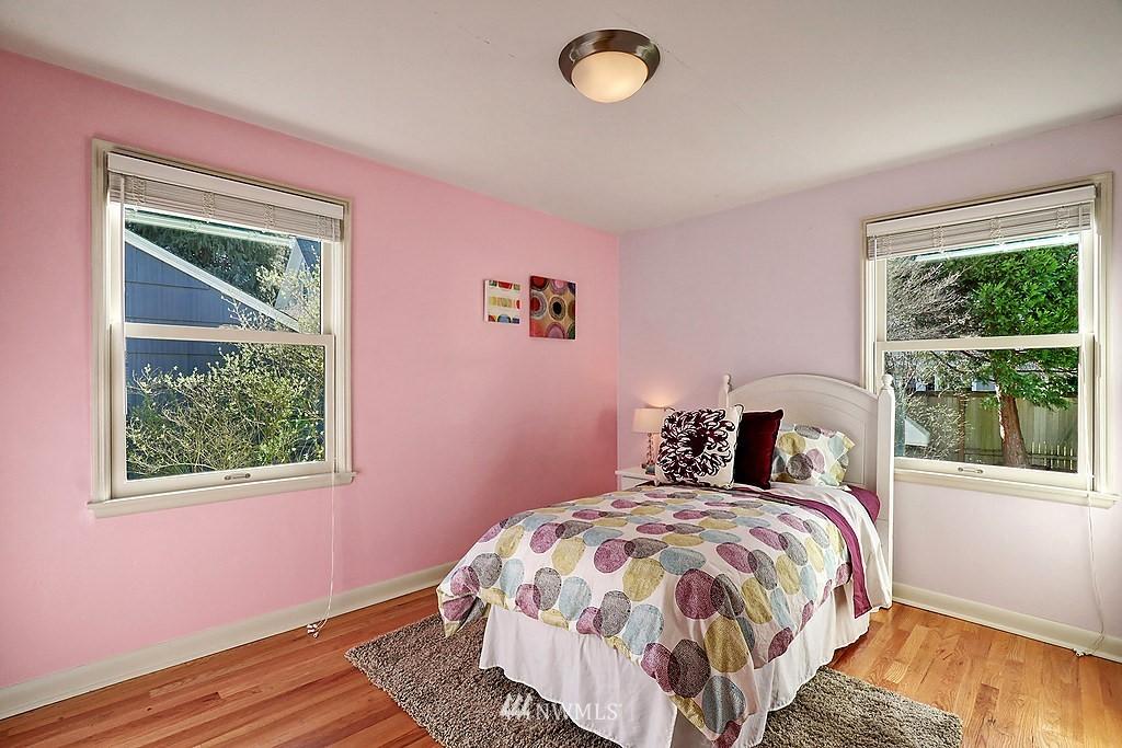 Sold Property | 6845 23rd Avenue NE Seattle, WA 98115 8