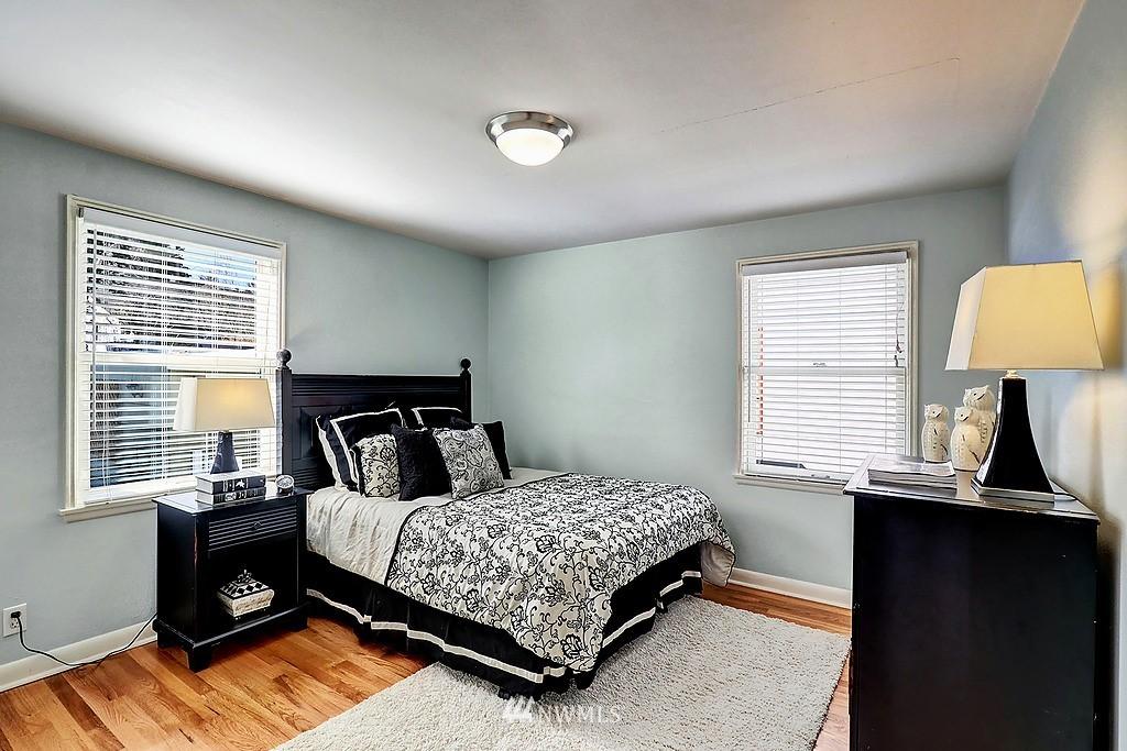 Sold Property | 6845 23rd Avenue NE Seattle, WA 98115 9