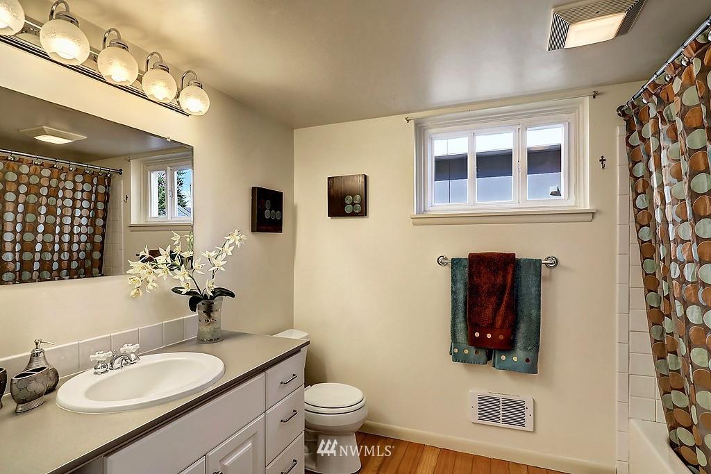 Sold Property | 6845 23rd Avenue NE Seattle, WA 98115 13