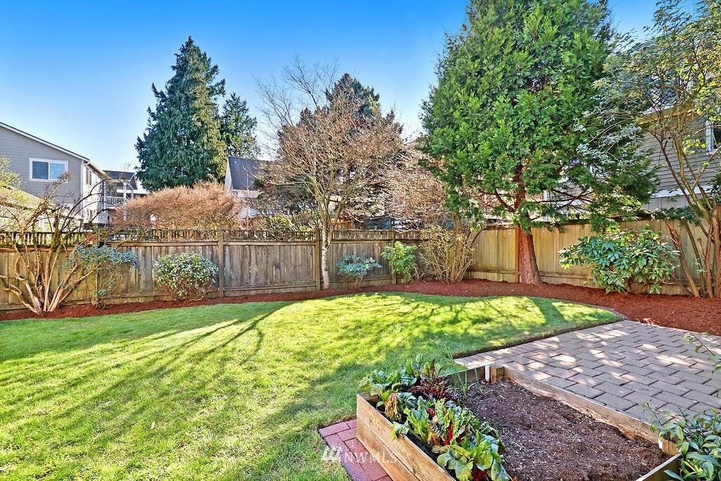 Sold Property | 6845 23rd Avenue NE Seattle, WA 98115 15