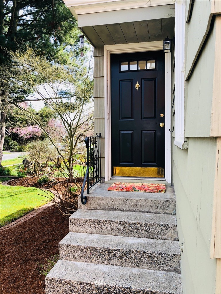 Sold Property | 6845 23rd Avenue NE Seattle, WA 98115 1
