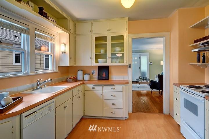Sold Property   8508 15th Avenue NE Seattle, WA 98115 5