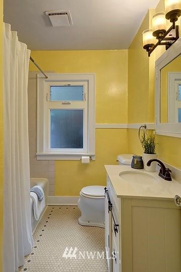 Sold Property   8508 15th Avenue NE Seattle, WA 98115 9