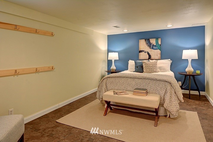 Sold Property   8508 15th Avenue NE Seattle, WA 98115 10