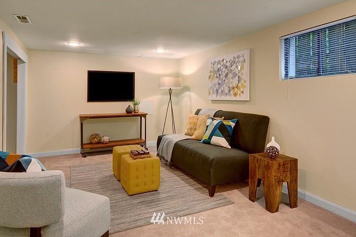 Sold Property   8508 15th Avenue NE Seattle, WA 98115 11