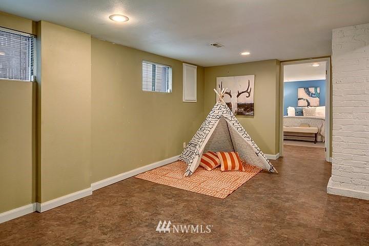 Sold Property   8508 15th Avenue NE Seattle, WA 98115 14