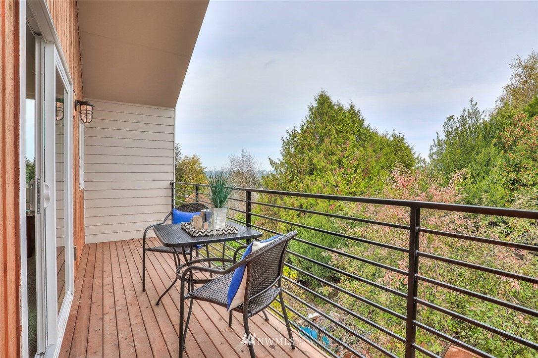 Sold Property   9216 11th Avenue NW Seattle, WA 98117 19
