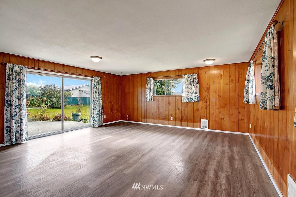 Sold Property | 2216 5th Street Everett, WA 98201 3