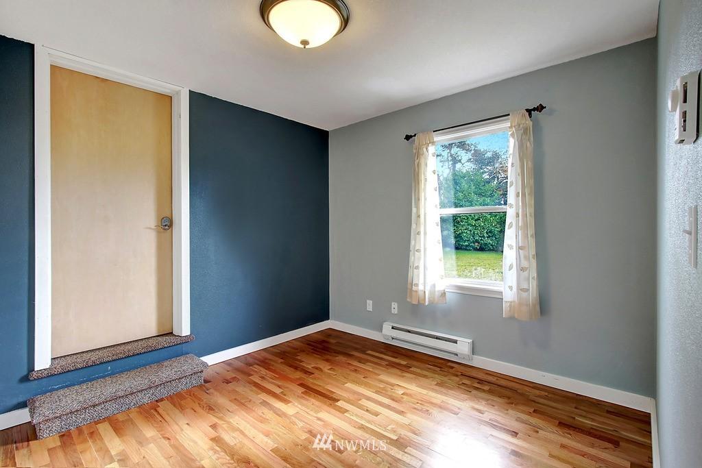 Sold Property | 2216 5th Street Everett, WA 98201 10
