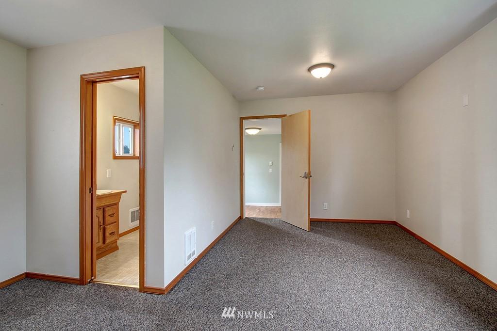 Sold Property | 2216 5th Street Everett, WA 98201 12