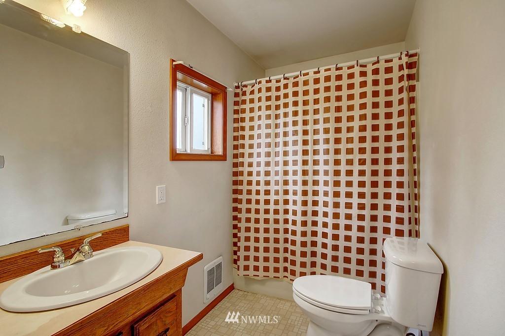 Sold Property | 2216 5th Street Everett, WA 98201 13