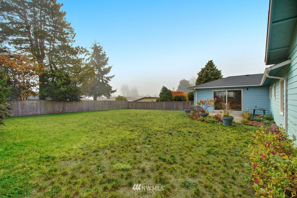 Sold Property | 2216 5th Street Everett, WA 98201 16
