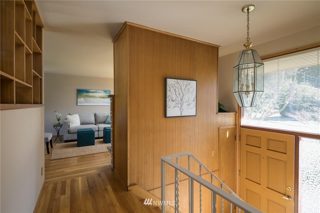 Sold Property | 10387 44th Avenue NE Seattle, WA 98125 3