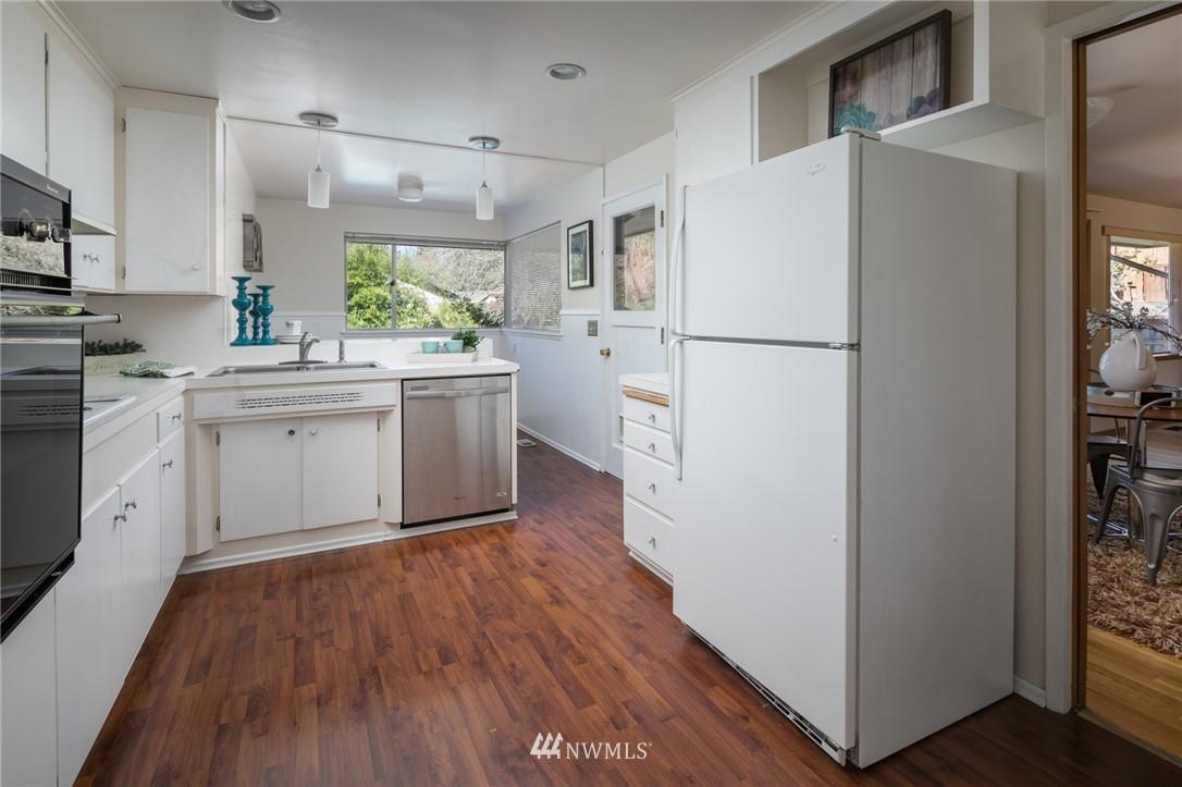 Sold Property | 10387 44th Avenue NE Seattle, WA 98125 7