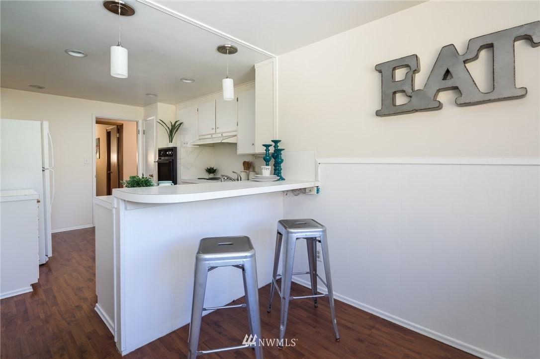 Sold Property | 10387 44th Avenue NE Seattle, WA 98125 8