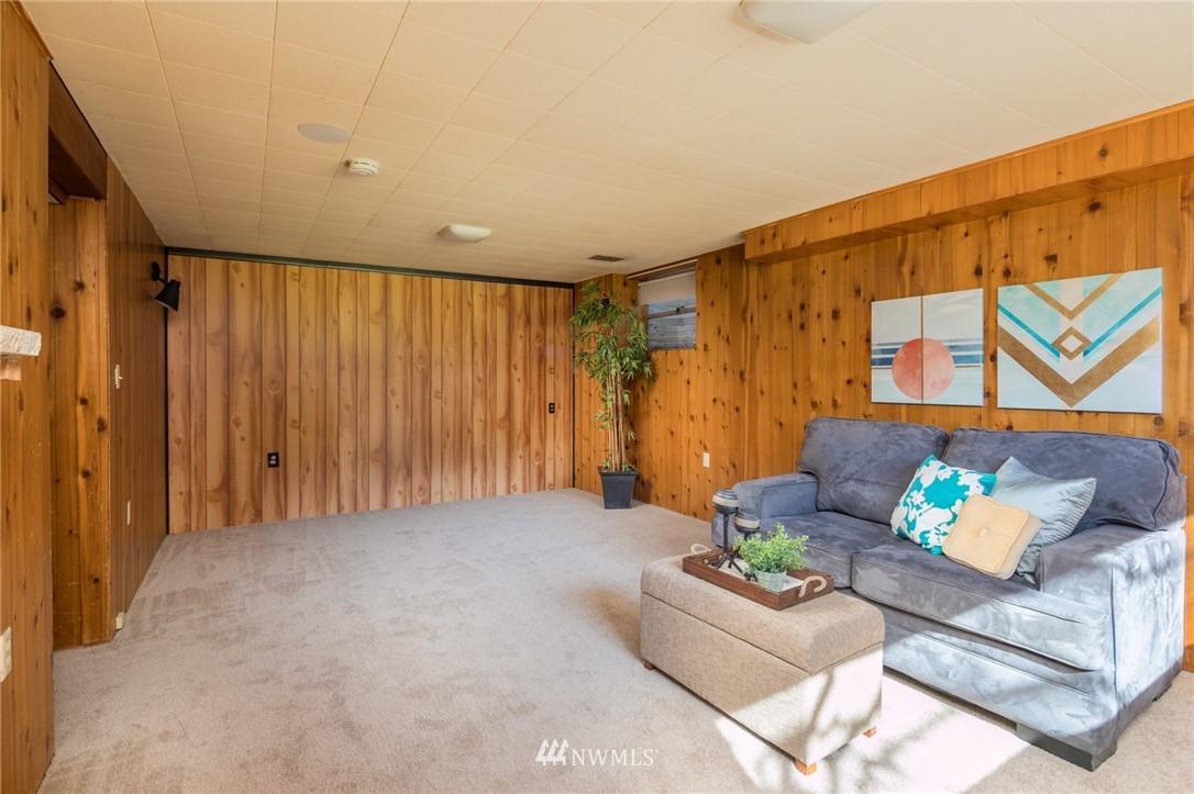 Sold Property | 10387 44th Avenue NE Seattle, WA 98125 15