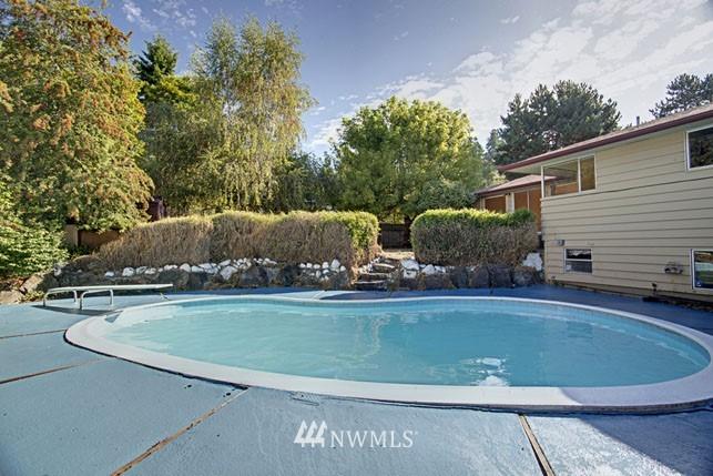 Sold Property | 10387 44th Avenue NE Seattle, WA 98125 19