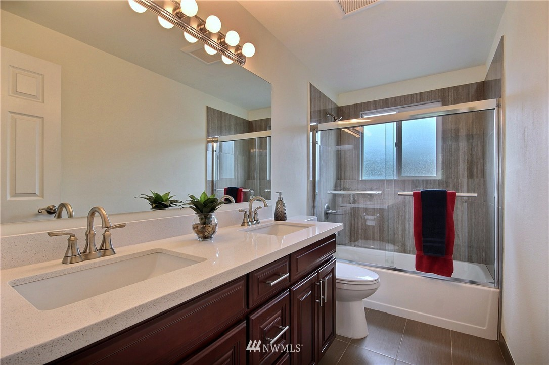 Sold Property | 6521 33rd Avenue S Seattle, WA 98118 14