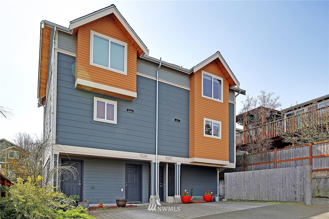 Sold Property   9237 Linden Avenue N Seattle, WA 98103 15