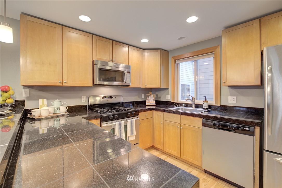 Sold Property   9243 Ashworth Avenue N #B Seattle, WA 98103 6