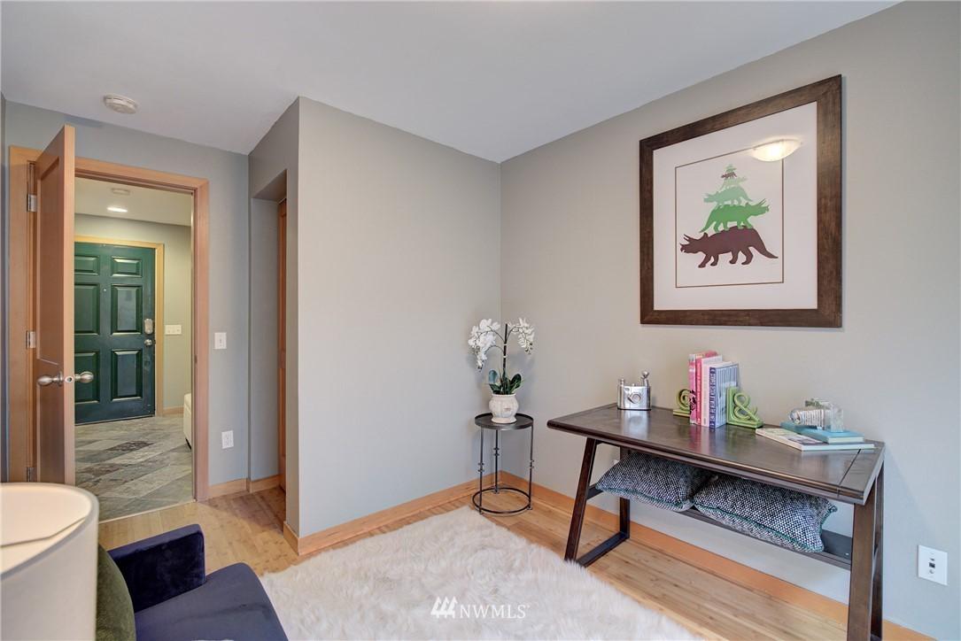 Sold Property   9243 Ashworth Avenue N #B Seattle, WA 98103 13