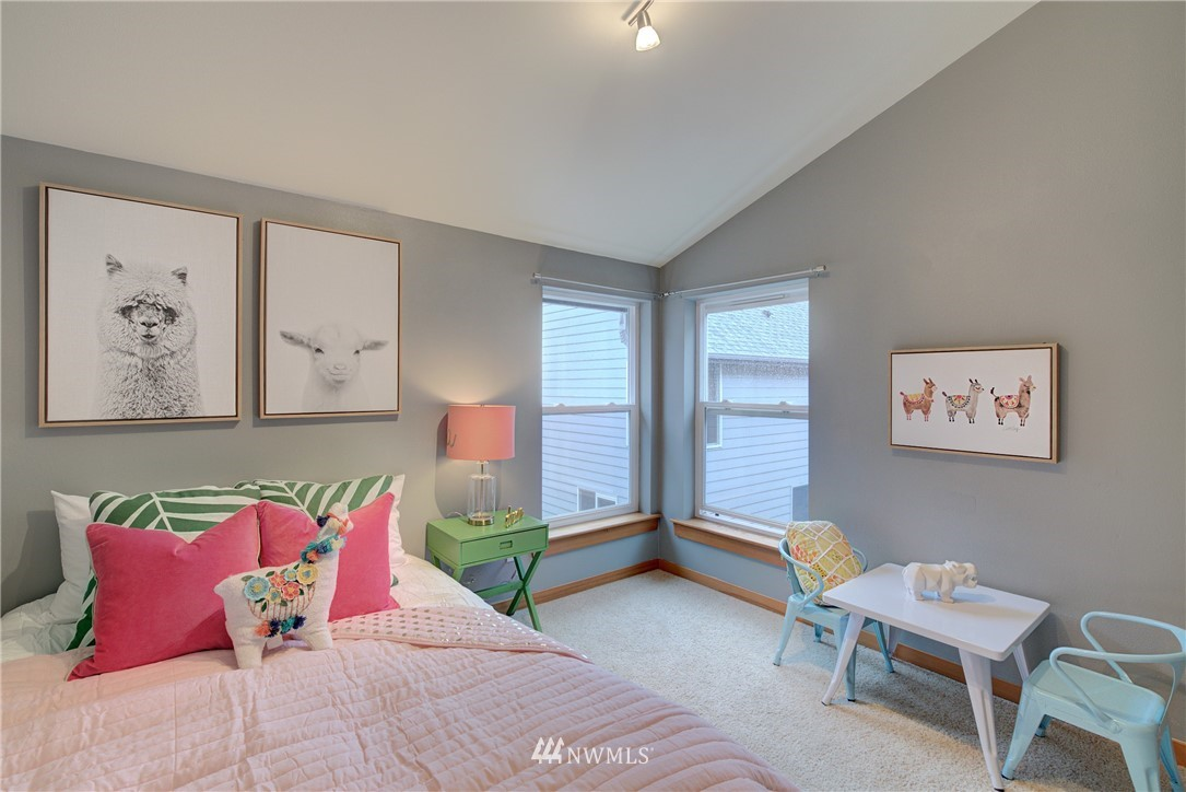 Sold Property   9243 Ashworth Avenue N #B Seattle, WA 98103 18