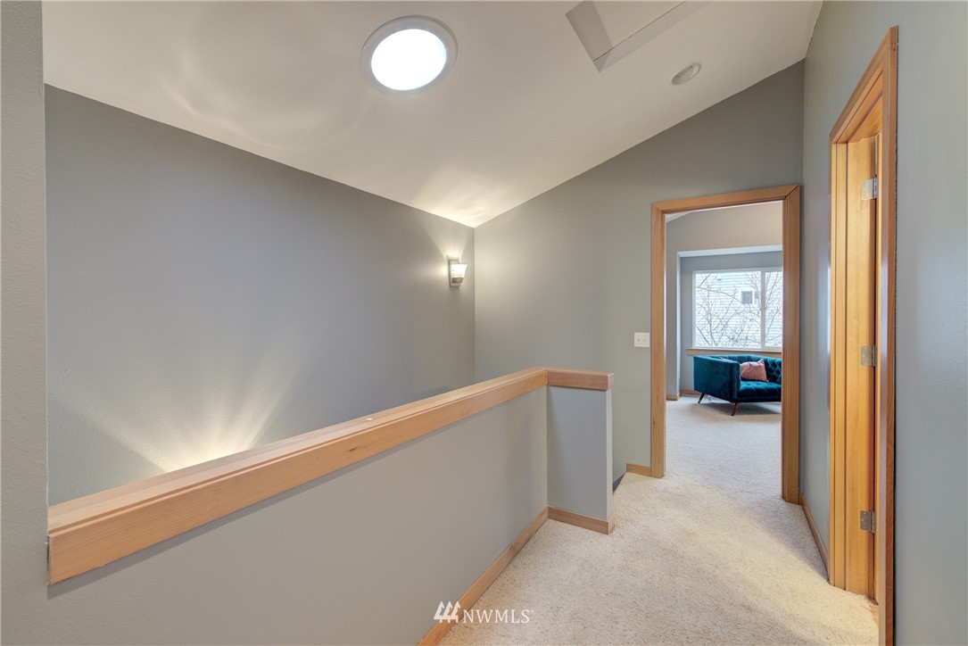Sold Property   9243 Ashworth Avenue N #B Seattle, WA 98103 19