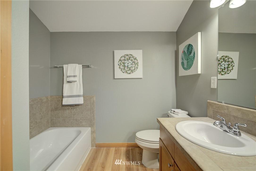 Sold Property   9243 Ashworth Avenue N #B Seattle, WA 98103 20