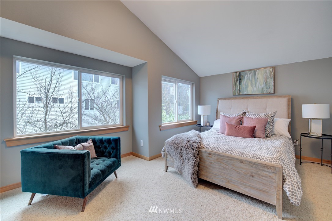 Sold Property   9243 Ashworth Avenue N #B Seattle, WA 98103 22