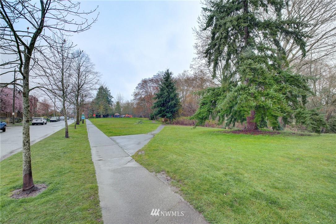 Sold Property   9243 Ashworth Avenue N #B Seattle, WA 98103 24