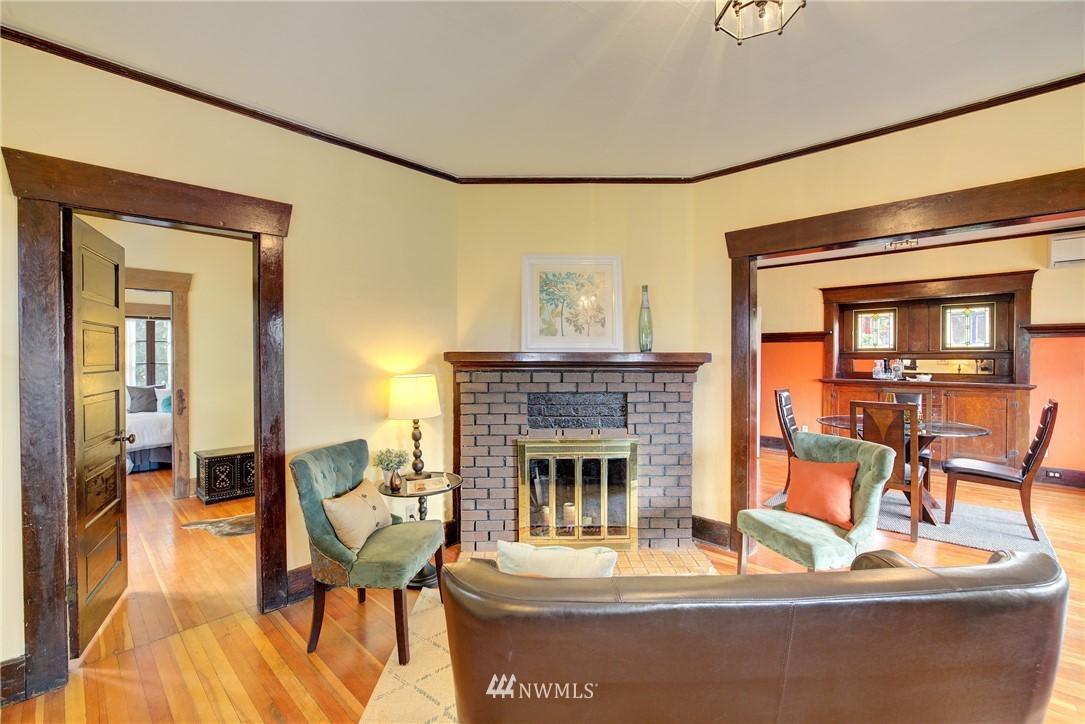 Sold Property | 1330 N Lucas Place Seattle, WA 98103 1