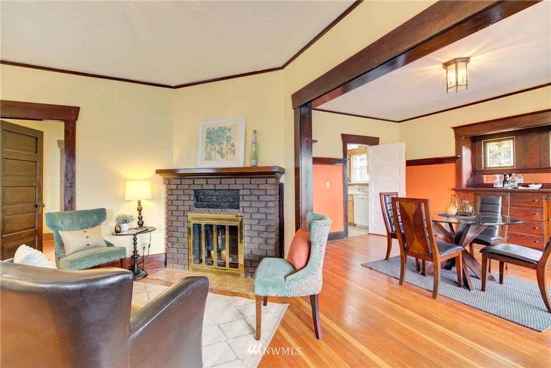Sold Property | 1330 N Lucas Place Seattle, WA 98103 2